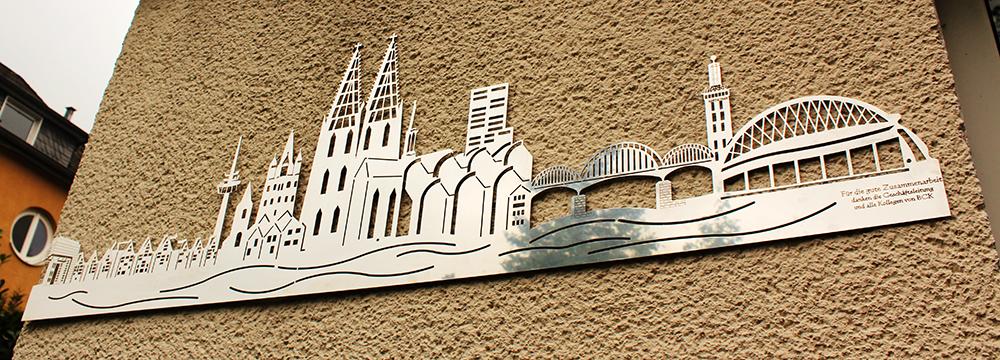 Kölnpanorama mit spiegelnder Oberfläche